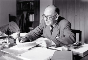 cs_lewis_writing